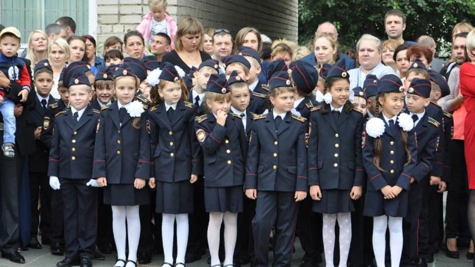 Полиция проверила школы Челябинска перед Днем знаний