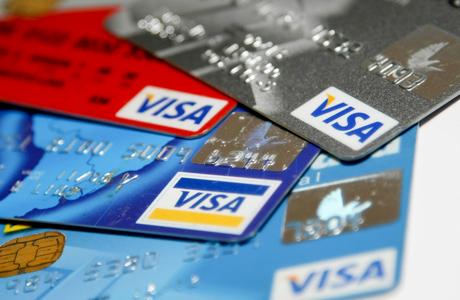 С октября Visa перестанет поддерживать операции в российских банках