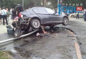 Лихачи на «Ладах» протаранили на перекрестке BMW в Челябинске