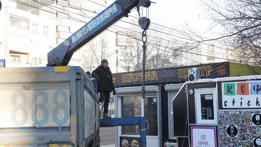 В Челябинске на месте демонтированных киосков появляются новые