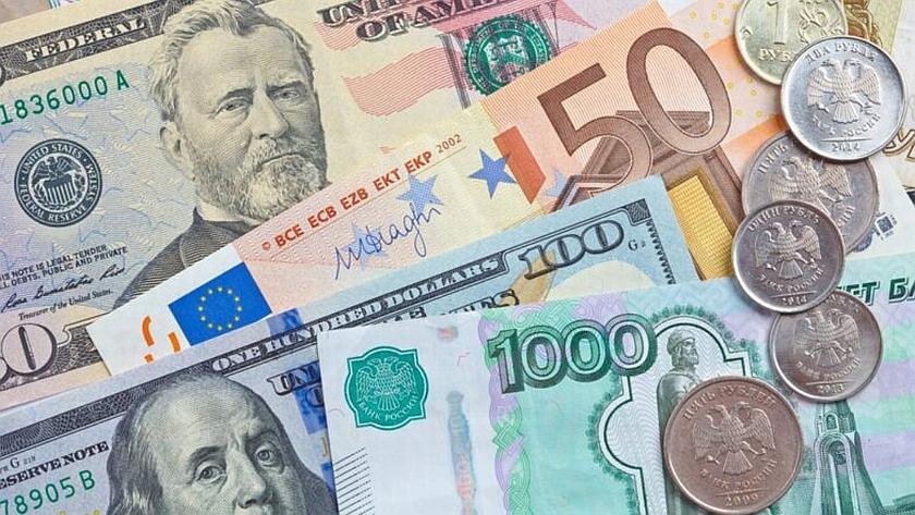 Эксперты рассказали, можно ли в июле выгодно вложиться в валюту и увеличить доход