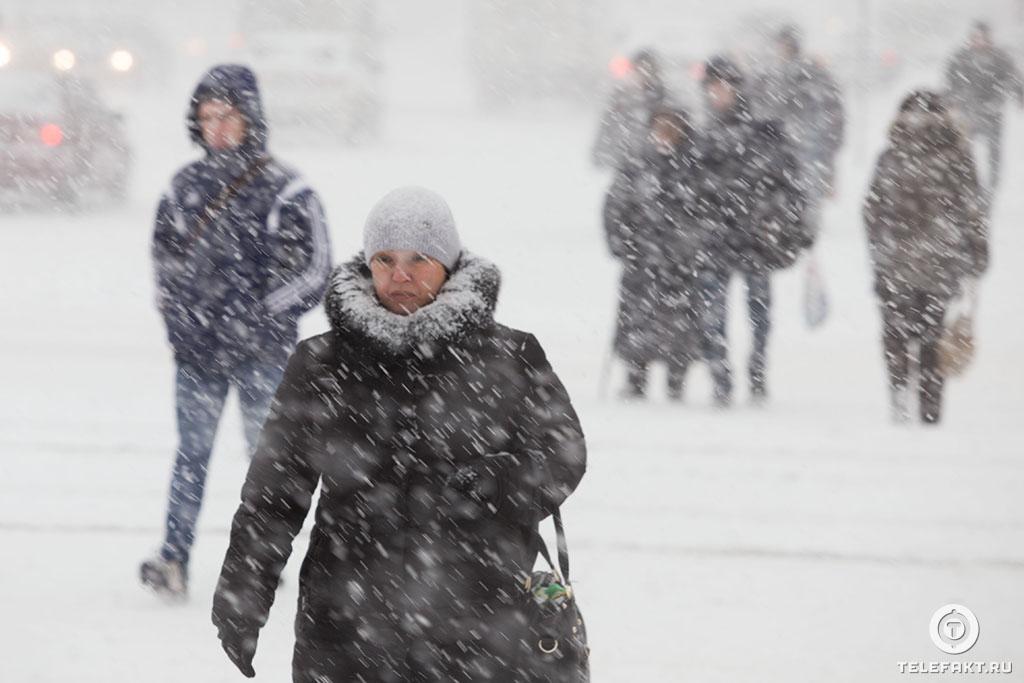 отличаются картинки с гололедом и снежным накатом элемент гардероба