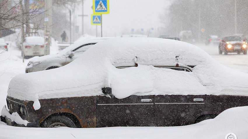 Почти месячная норма, десятки ДТП, круглосуточная уборка. Как Челябинск пережил снегопад