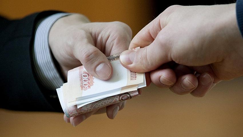 Взятку на работе предлагали 10% жителей Челябинской области