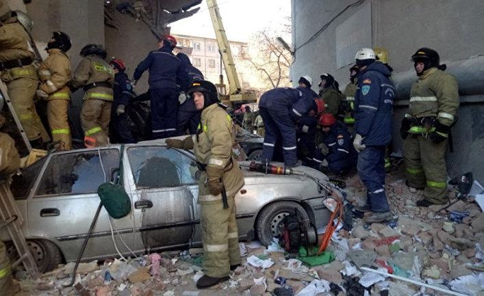 Компенсации выплатят автовладельцам, чьи машины повредились при обрушении дома в Магнитогорске