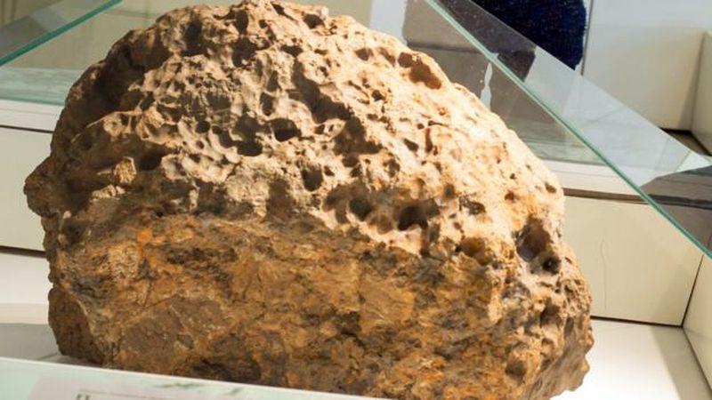 Ученые обнаружили неизвестное науке вещество в челябинском метеорите