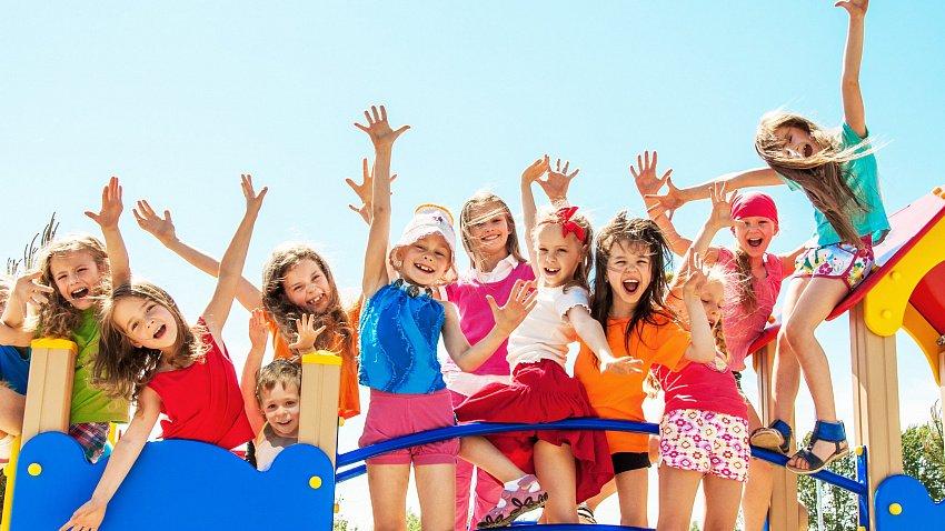 Губернатор объявил об открытии детских лагерей