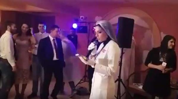 Во время свадьбы напилась грудастые ебутся кончают