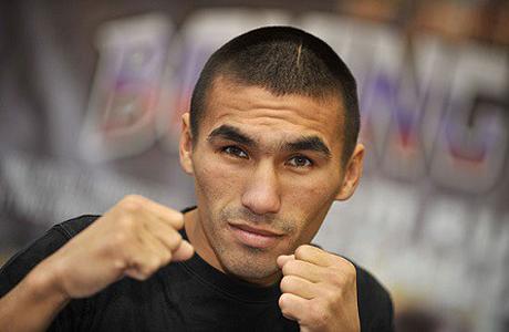 Южноуральский боксер сразится за титул чемпиона мира в легком весе