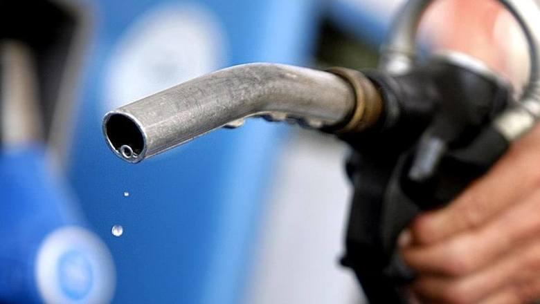 В Челябинске повысились цены на бензин