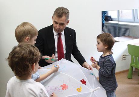 Павел Астахов отметил новаторство челябинского детского центра «Звездный дождь»