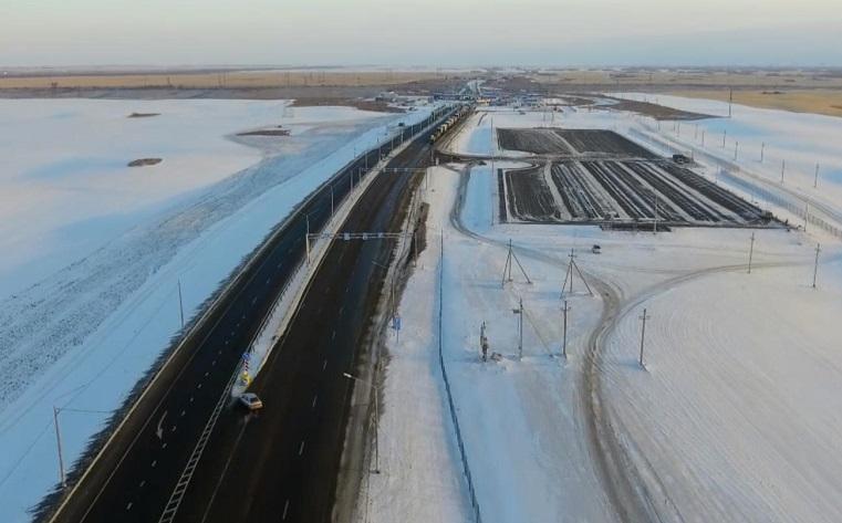 Дорога на границе Челябинской области и Казахстана стала 4- и 5-полосной