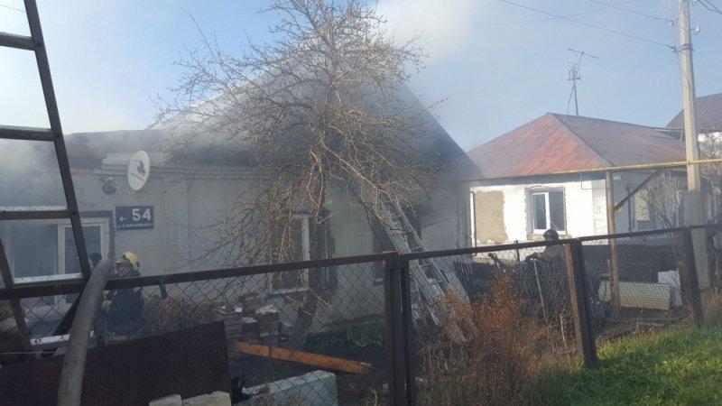 Сгорели дом иводокачка. Южноуральцы полдня тушили ужасный пожар вПолетаево