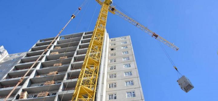 В трех городах Южного Урала жителей аварийных домов переселят в новые квартиры