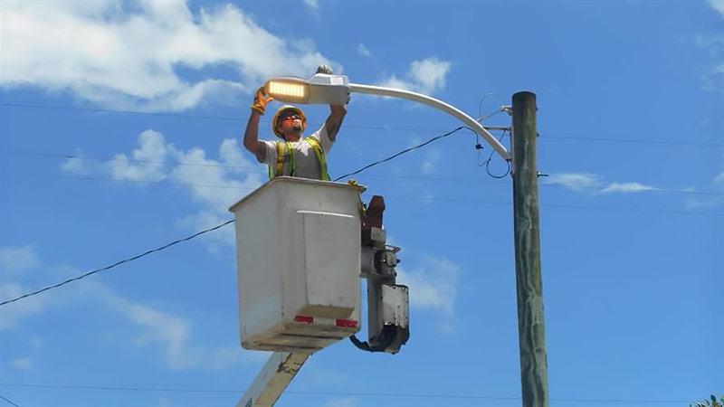 На установку уличного освещения в Челябинске инвестируют 140 миллионов рублей