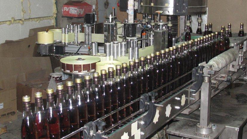 Торговля поддельным спиртом вылилась челябинцу вштраф практически надва млн. руб.