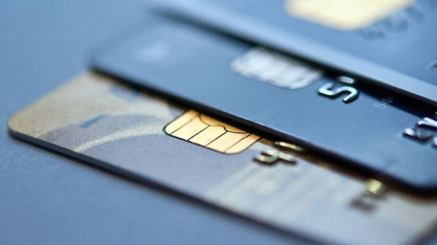 В Челябинской области выдача кредитных карт за месяц сократилась в 2,5 раза