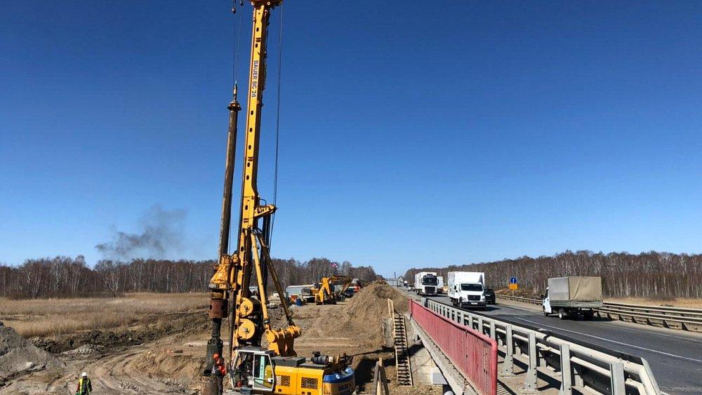 На трассе М-5 «Урал» начали ремонтировать мост через реку Синара