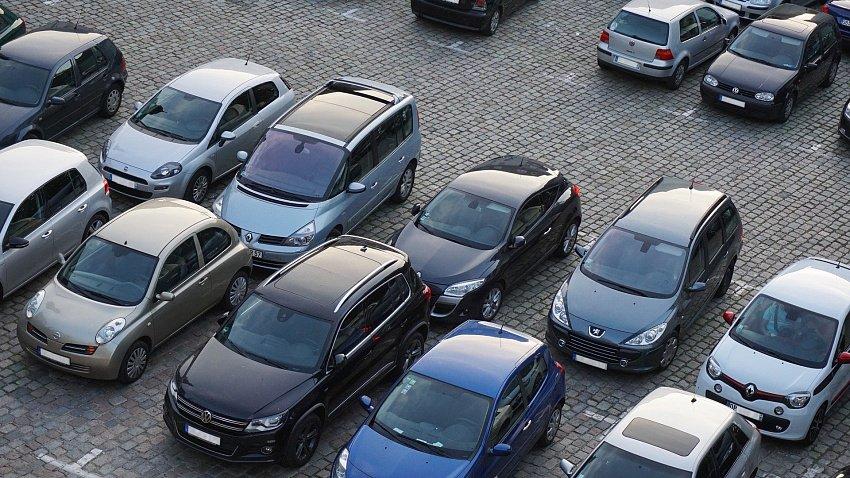 В Челябинске вернулись к обсуждению платных парковок