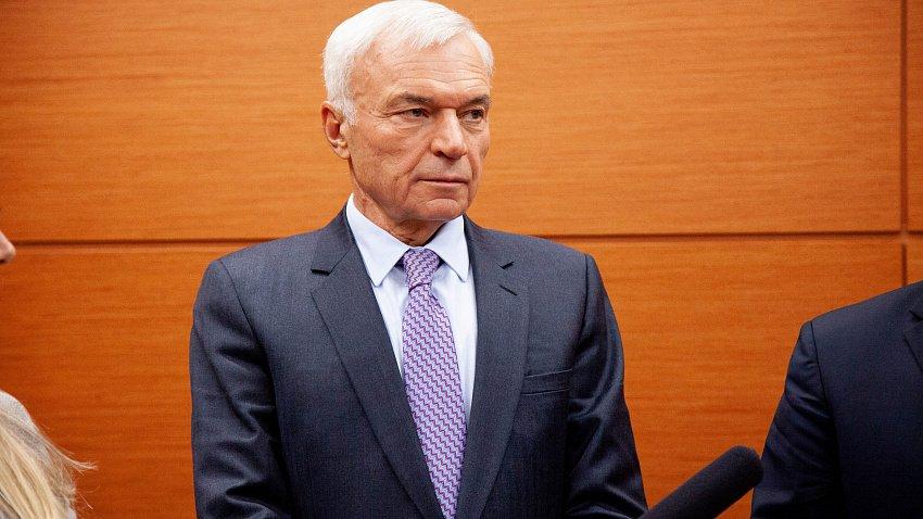 Виктор Рашников продал 3% группы «ММК»