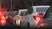 На дорогах Челябинска образовались пробки вшесть баллов