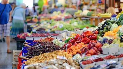 Выручка розничной торговли в Челябинской области сократилась на 4%