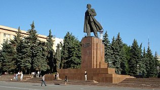Из-за подготовки к9 Мая вцентре Челябинска ограничат спуск колясок