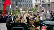 В Челябинске проходят торжественные мероприятия вчесть Дня Победы. Большой фоторепортаж