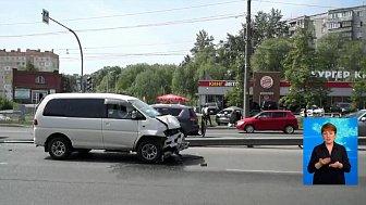 Мотоциклист попал в аварию на улице Дарвина в Челябинске