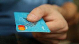 В Челябинской области на 5% меньше выдано кредитных карт