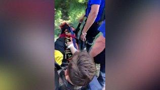 Эвакуация пострадавшего с хребта Нурали попала на видео