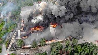 Видео техногенного пожара рядом с ЧЭМК: сотрудники склада рассказали, как спаслись