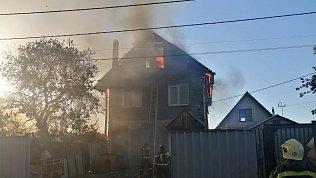 В Челябинске вчастном доме произошел пожар