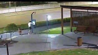 Глупое нападение на «умную» опору попало на камеры видеонаблюдения