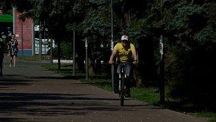 Алексей Текслер на себе проверил велосипедную доступность Челябинска