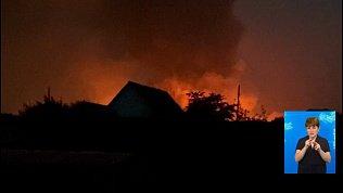 Из-за удара молнии сгорели склады в Аргаяше
