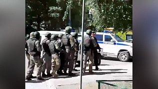 В Тюмени неизвестные захватили отделение Сбербанка