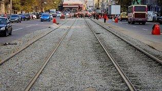 В Челябинске ремонтируют трамвайные переезды надевяти перекрестках