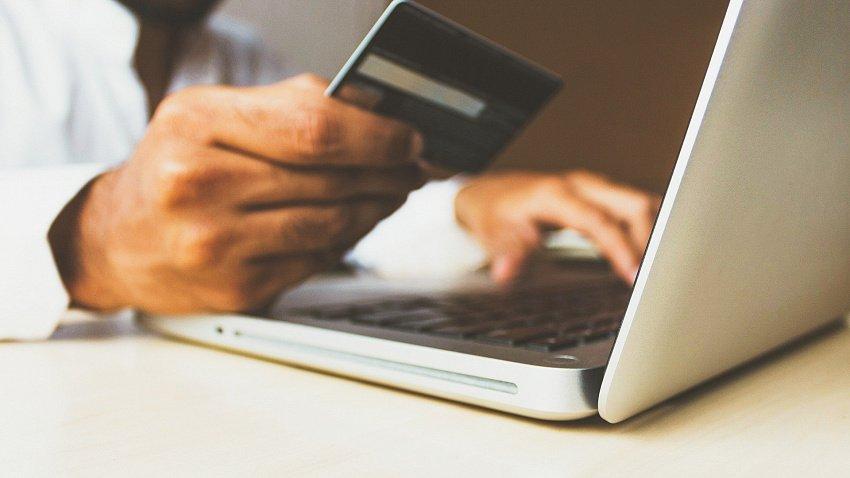 Южноуральцы в 1,5 раза чаще стали оплачивать покупки через интернет