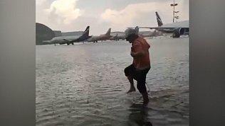 Московский аэропорт Шереметьево затопило из-за ливня