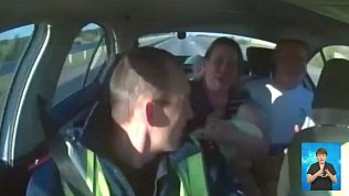 Автоинспекторы помогли спасти девочку