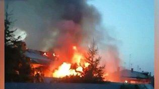 Пожар в жилом доме в Чурилово попал в объектив камеры