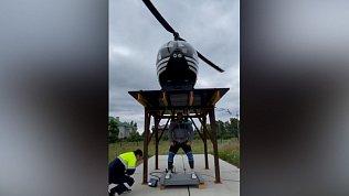Эльбрус Нигматуллин снял на видео, как поднял вертолёт