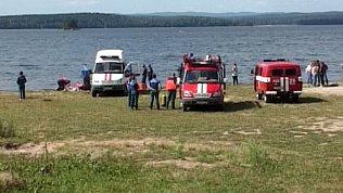 На озере Чебаркуль спасатели сняли на видео извлечение человеческих останков