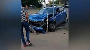 Авария в Магнитогорске попала на видео