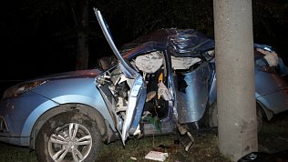Видео последствий аварии с двумя погибшими