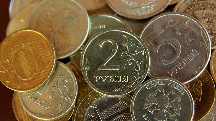 Зарплаты богатых и бедных жителей Челябинской области отличаются почти в девять раз