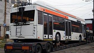 В Челябинск привезли наиспытания новый троллейбус