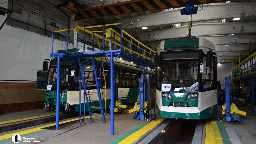 В Челябинск прибыли восемь новых трамваев