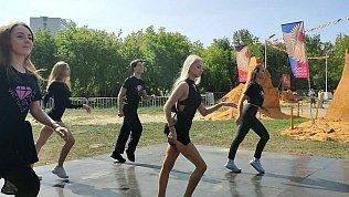 В Челябинске «Зарядку сОТВ» провела профессиональная танцовщица